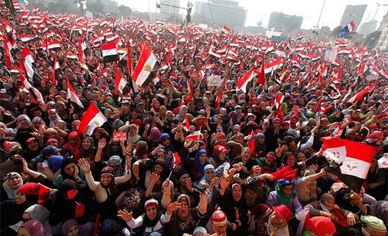 المصريون إلى 102 مليون نسمة.. هكذا يتوزعون (إنفوغراف)