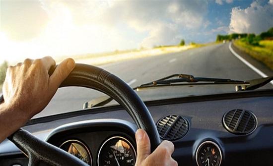 الموسيقى أثناء قيادة السيارة تفيد القلب