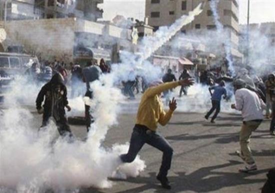 إصابات بالاختناق خلال مواجهات مع الاحتلال الاسرائيلي شمال الخليل