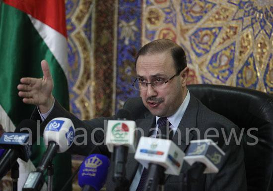 وزير إعلام أسبق يشير إلى قوى داخلية وخارجية تحاول العبث بأمن واستقرار الأردن