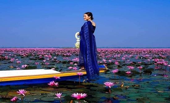 بحيرة الورد - صور جميلة شاهدوها