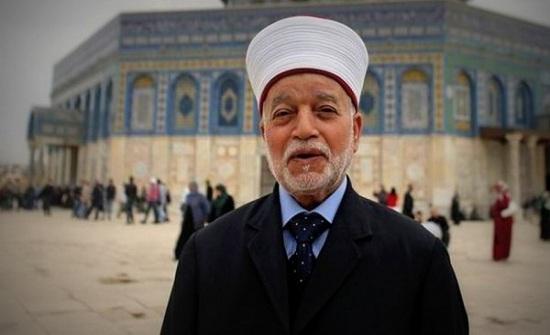 مفتي القدس يُدين سلب الاحتلال لصلاحيات إدارة المسجد الإبراهيمي