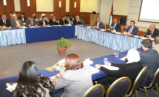 """""""الأردنية"""" تستضيف الشواربة في حلقة نقاشية حول النقل العام والبنية التحتية"""