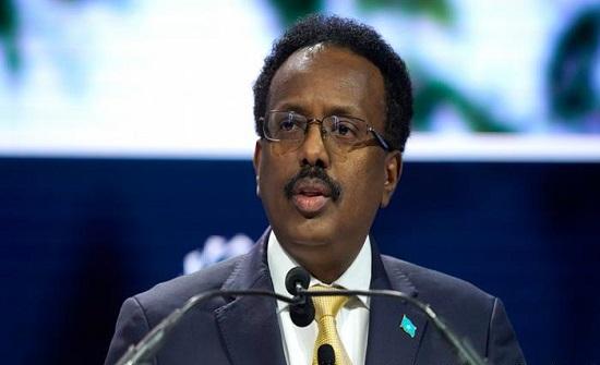 بعد توترات وضغوط.. الرئيس الصومالي يتخلى عن تمديد فترة حكمه