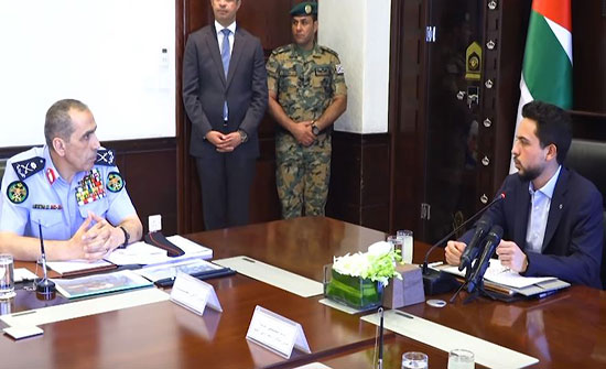 """بالفيديو :  ولي العهد خلال زيارته إلى مديرية الأمن العام """"أرواح الأردنيين غالية علينا"""""""