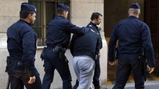 رجل يحاول بسيارته اقتحام مسجد في شرق فرنسا ولا إصابات