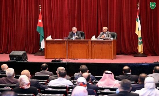رئيس الجامعة الأردنية: أولويتنا توفير عودة آمنة للطلبة