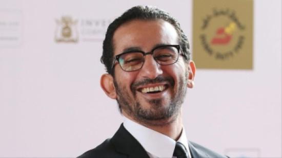 أحمد حلمى لجمهوره فى أحدث ظهور: اتفضلوا القهوة - صورة