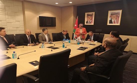"""منح من """"عمان العربية"""" للوطني للأمن وإدارة الازمات"""