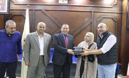 حفل توقيع كتاب بعنوان رائحة الطين في إربد