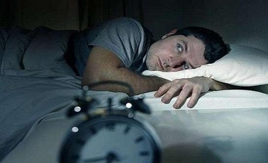 7 أسباب تؤدي إلى عدم النوم ليلاً