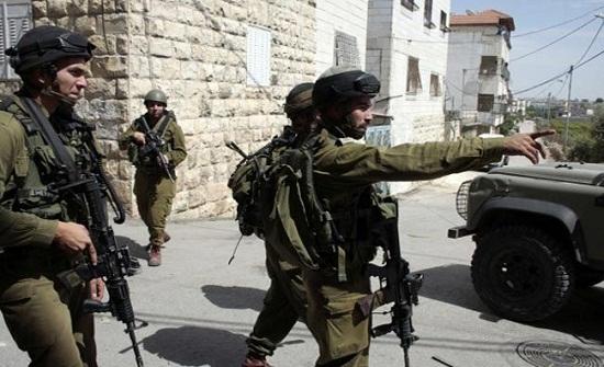 نادي الأسير : الاحتلال الإسرائيلي يعتقل 14 فلسطينيا في الضفة الغربية