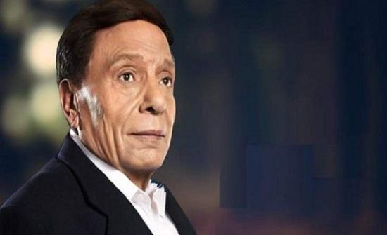 عادل إمام يرد على شائعة وفاته بالرقص مع نجله- (فيديو)