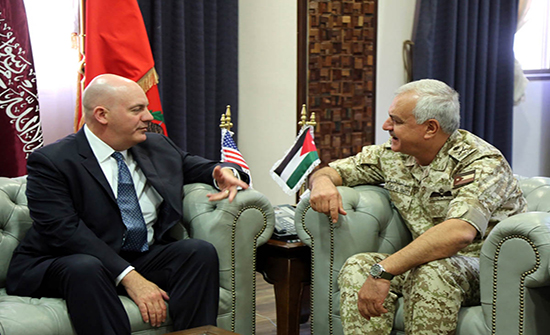 الحنيطي يستقبل مساعد وزير الخارجية الأميركي للشؤون السياسية والعسكرية