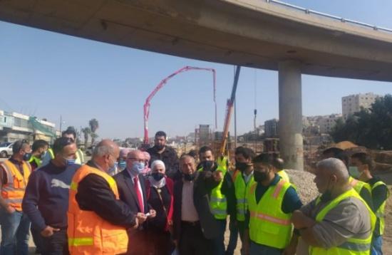الكسبي: انهاء العمل في مشروع الباص سريع التردد عمان-الزرقاء نهاية 2021