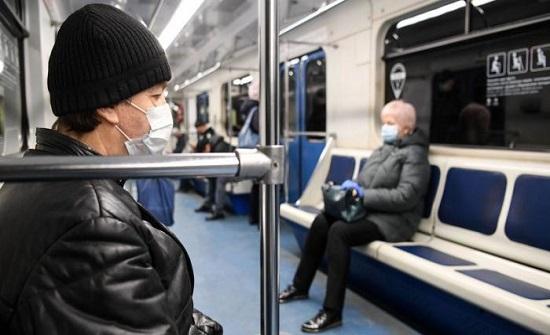 الماينا : طالبت راكبا بارتداء الكمامة ففاجأها بتصرف مرعب