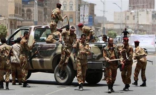 الجيش اليمني: سقوط قتلى وجرحى من العناصر الحوثية بقصف مدفعي في الجوبة