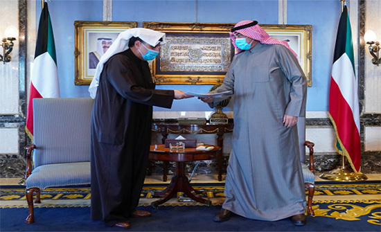أعضاء الحكومة الكويتية يقدمون استقالاتهم إلى رئيس الوزراء
