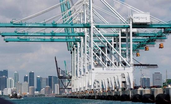 اتساع فجوة التجارة الأميركية ـ الصينية رغم «حملة ترمب»