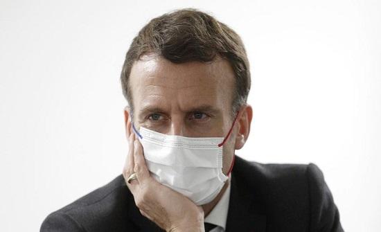 ماكرون يهدد بسحب العسكريين الفرنسيين إذا سارت مالي باتجاه التطرف