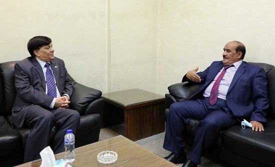 لجنة في الأعيان تلتقي السفير الباكستاني