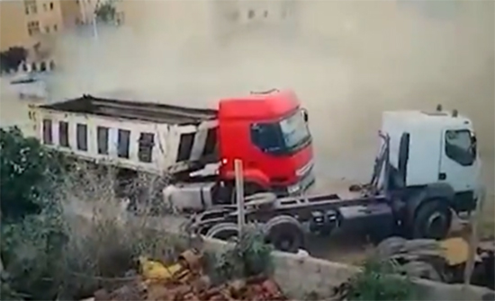 """فيديو يوثق """"الهجوم"""" على موكب وزير """"داخلية الوفاق"""" فتحي باشاغا"""