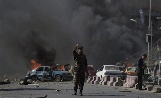 5 قتلى بهجوم انتحاري استهدف موكبا أمنيا شرقي أفغانستان