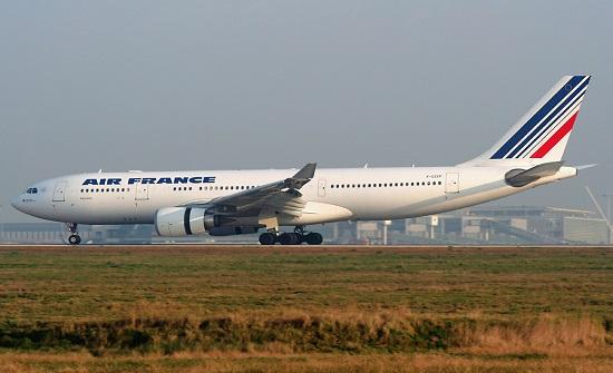 فرنسا تعلق الرحلات مع البرازيل