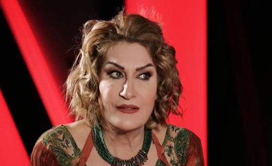 """شاهد: إصابة الفنانة العراقية """"آسيا"""" في مظاهرات بغداد"""