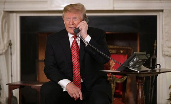 ترامب يطالب بكشف هوية مسرب مكالمته مع رئيس أوكرانيا