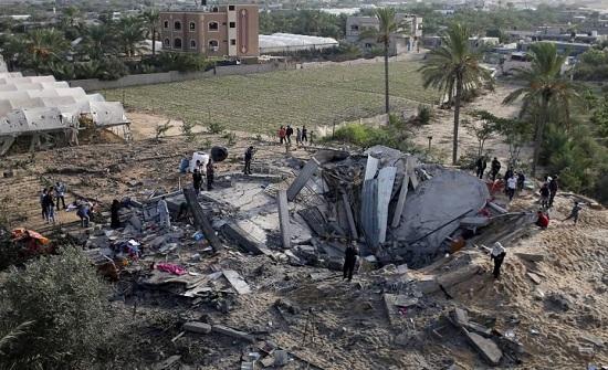 صور من مشاهد الدمار الذي ألحقه القصف الإسرائيلي بغزة
