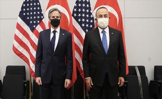 اتصال هاتفي بين تشاووش أوغلو ووزير الخارجية الأمريكي