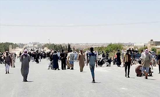 """""""ي ب ك"""" الإرهابي يرضخ لمطالب المتظاهرين في منبج السورية"""