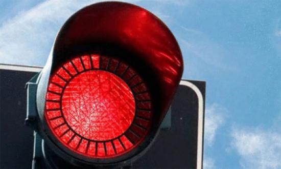 رفد طريق المفرق الخالدية بوسائل السلامة المرورية
