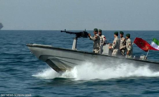بحرية وجوية.. حادثتان عسكريتان خلال يوم في إيران