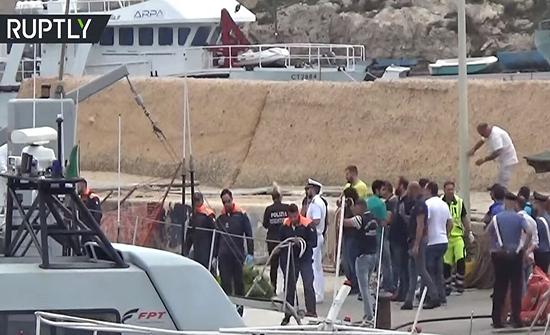 فيديو : مصرع 13 مهاجرة بينهن حوامل جراء غرق زورق قبالة لامبيدوزا الإيطالية