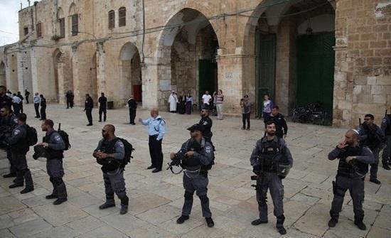 شرطة الاحتلال تعزز انتشارها في القدس.. ودعوات لانتفاضة