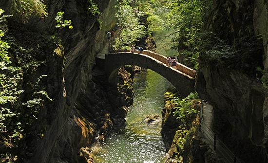 أجمل الجسور القديمة في العالم