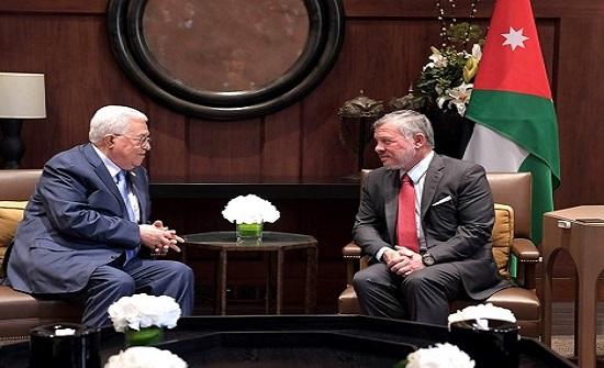 صور : الملك يستقبل الرئيس الفلسطيني