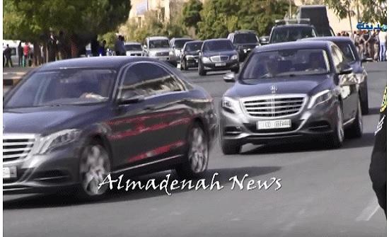 شاهد بالفيديو : لقطات لموكب الملك ومحيط مجلس الامة