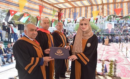 أ.د الرحيمي يرعى حفل تخريج طلبة جامعة إربد الأهلية للفوج 22
