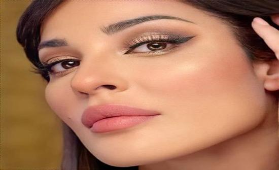 """فيديو كوميدي لنادين نسيب نجيم تسخر من لقاح """"كورونا"""""""