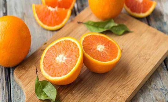 أكل البرتقال يومياً يحمي من الضمور البقعي