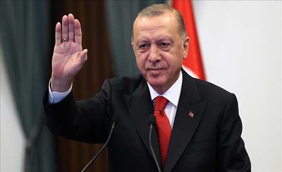 أردوغان ينشد أغنية تراثية تركية مع شباب ديار بكر .. بالفيديو