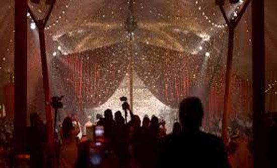 """بالصور.. دبي تستضيف أول عرض أزياء لـ""""كريستيان ديور"""" في الشرق الأوسط"""