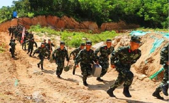 الصين: 1100 رجل يكافحون لإنقاذ 14 عاملا محاصرين بنفق غمرته المياه