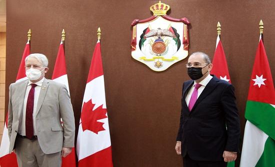 وزير الخارجية يجري مباحثات مع نظيره الكندي