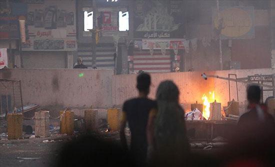 بغداد.. اندلاع النيران في دائرة حكومية ومبنى تجاري