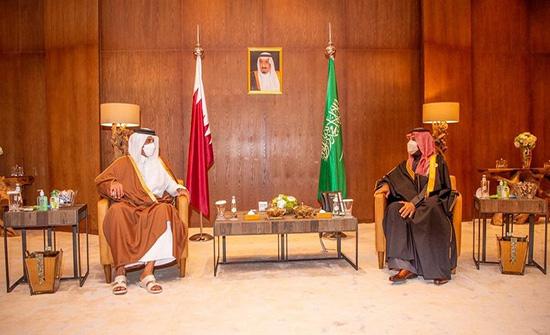 ولي العهد السعودي يبحث مع أمير قطر العلاقات الثنائية