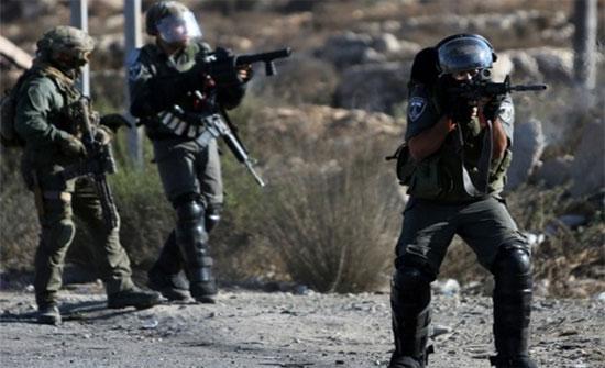 اصابات خلال مواجهات مع الاحتلال الاسرائيلي وسط رام الله